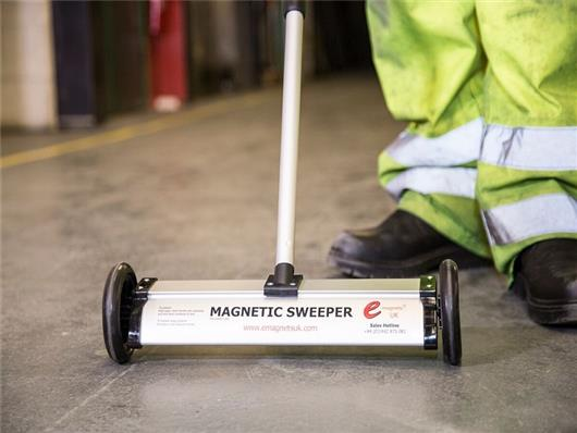 Hand Held Magnetic Sweeper