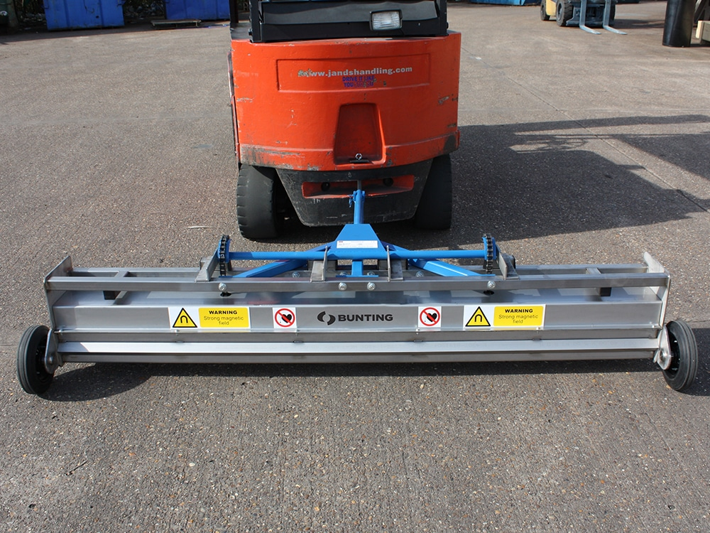 Bunting Towable Magnetic Sweeper